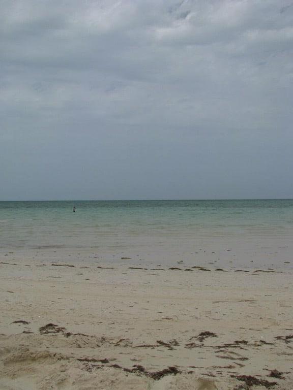 Qatar Beaches - the ultimate guide to Qatar public beaches! Qatar Best Beaches - Best Public Beaches in Qatar - Doha #doha #qatar #qatarbeach #dohabeach #beauitfulbeaches