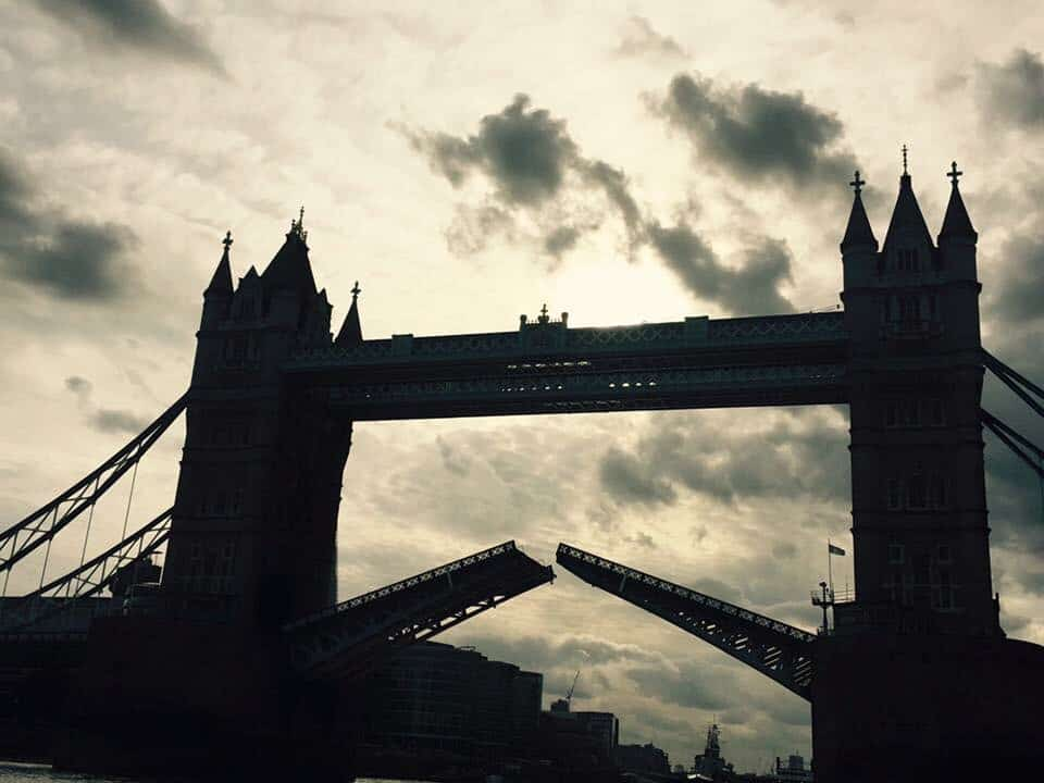 Speedboating down the Thames – a photo journeyof a Thames Rib Boat Experience