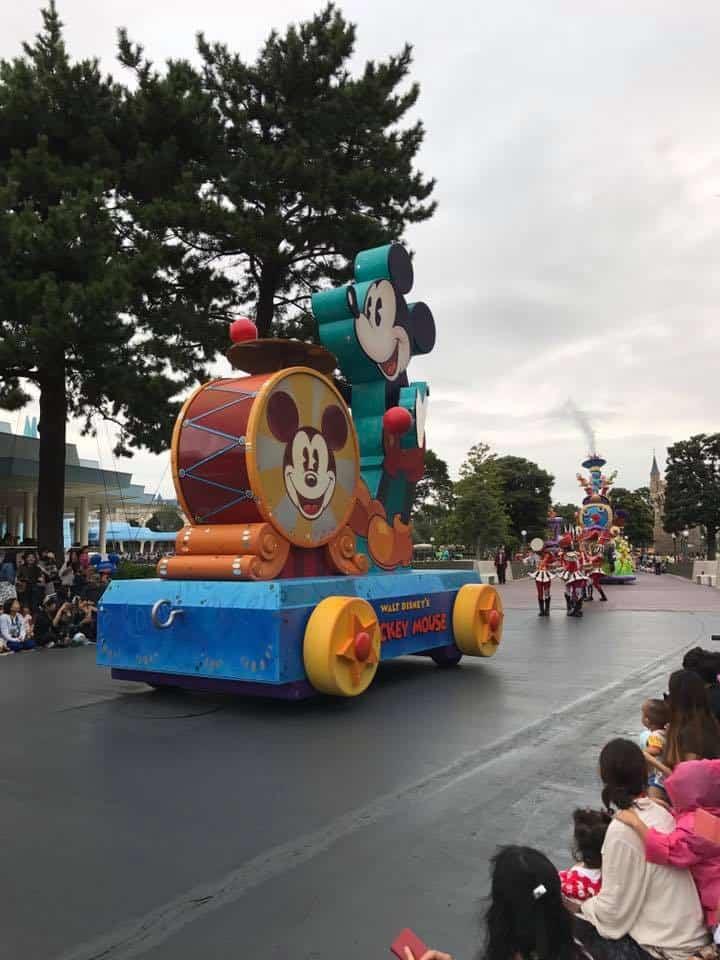 Is Tokyo Disney or Disneysea better for toddlers