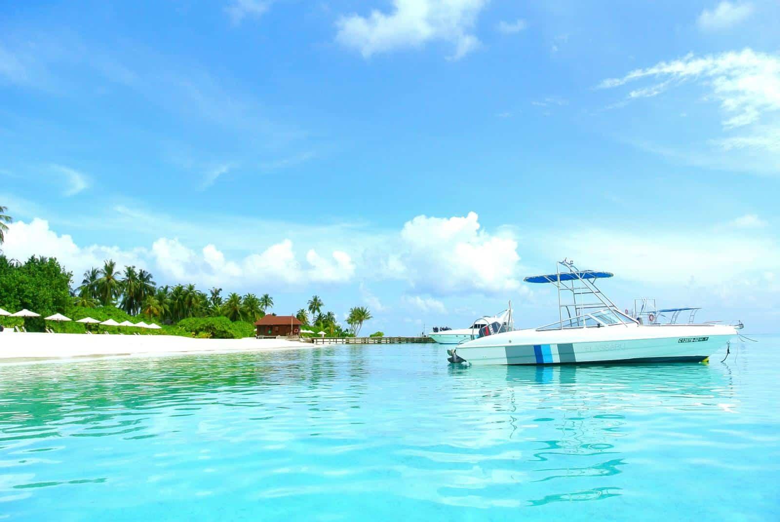 Best Maldives Resorts with Speedboat transfer