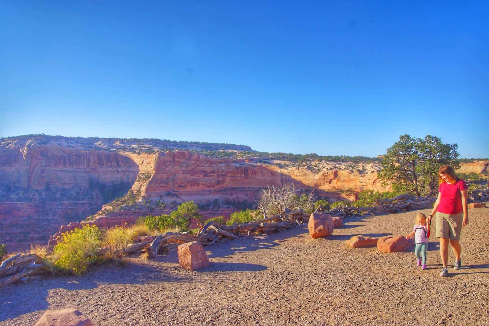moab packing list - what to wear in arches national Park & Canyonlands