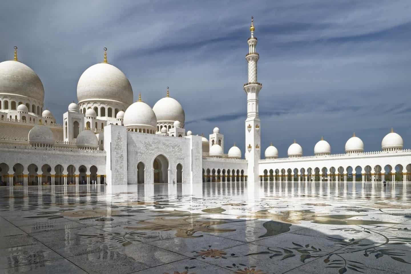 Abu Dhabi vs Dubai – what is the best UAE holiday to take?