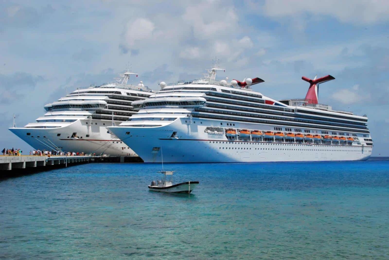 ULTIMATE First Time Cruise Packing List: What to Pack for a cruise